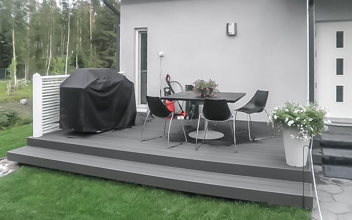 Juma Deck komposiittilauta Vantaan asuntomessuilla