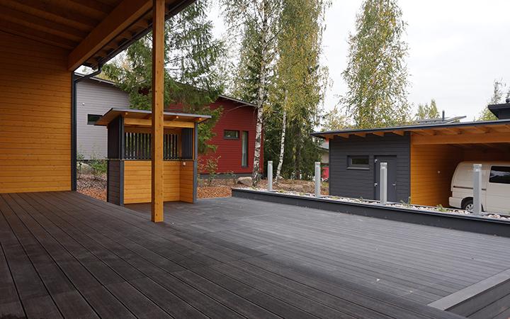 Juma Deck-puukomposiittilaudasta näyttävä terassi!